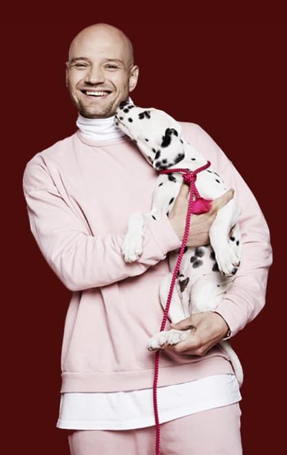 Clemens Spillehal med hundehvalp