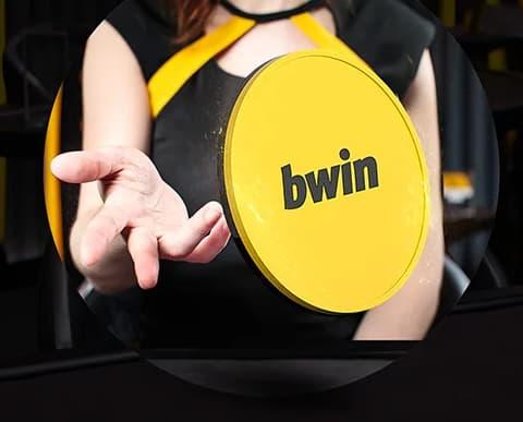 Bwin gul mønt ved kvindehånd