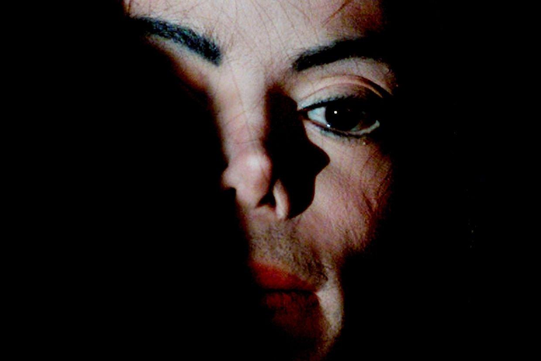 Michael Jackson Nærbillede med Sort Baggrund